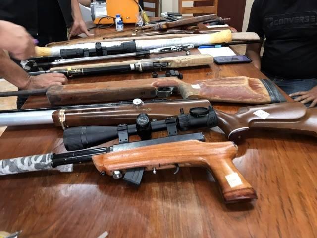 ผู้ต้องหามีอาวุธปืนที่ ผิดกฎหมาย- ยาเสพติด