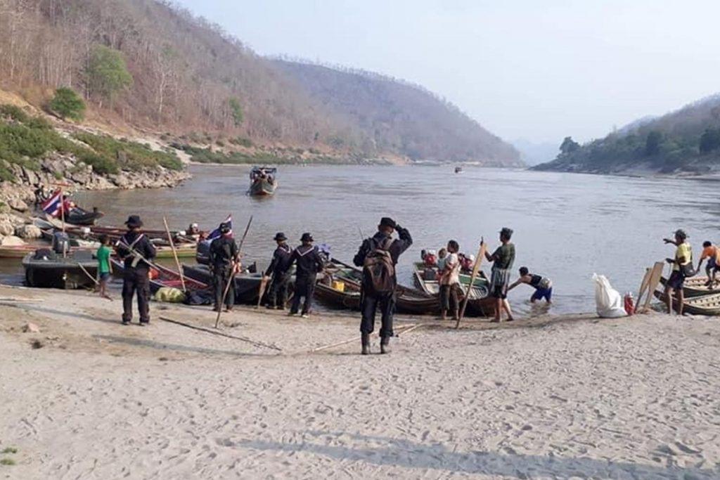 ทหารตามแนวชายแดนไทยพม่า ลำน้ำสาละวิน