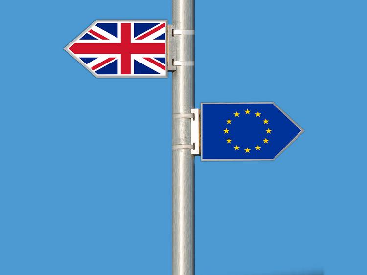 ประชาชนกลุ่ม EU มีคนเกือบแสนคนที่ได้เข้ามายื่นเอกสาร