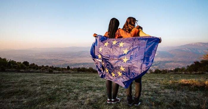 ประชาชนกลุ่ม EU ก็จะต้องไปขอวีซ่าเพื่อทำการอยู่ในสหราชอาณาจักร